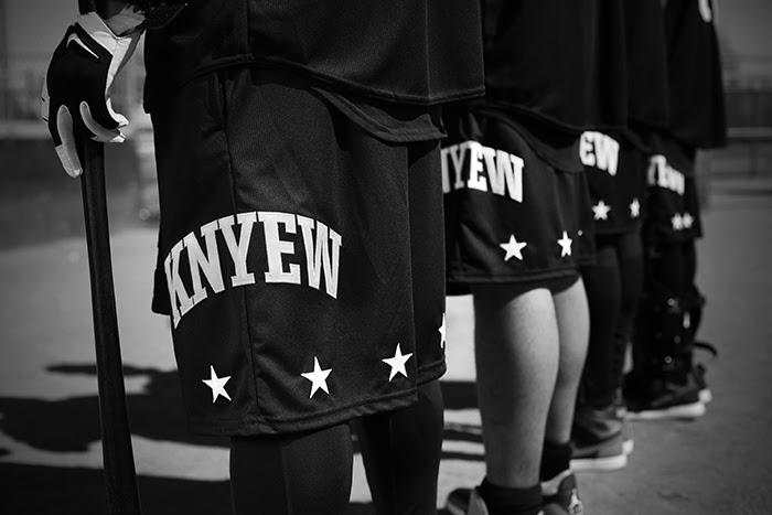 knyew-04